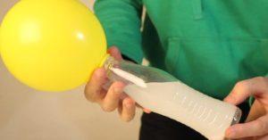 Как надуть шарик содой и уксусом