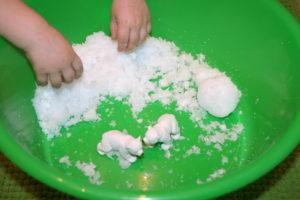Снег из памперса